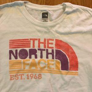 Women's medium The North Face T-Shirt